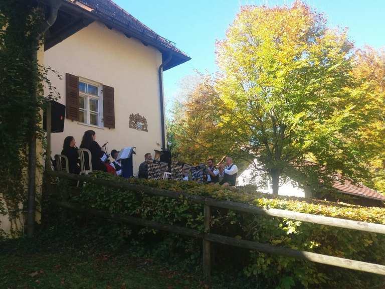 Biergarten Alte Villa Utting Utting Am Ammersee Ammersee Lech Cycling Tips Photos Komoot