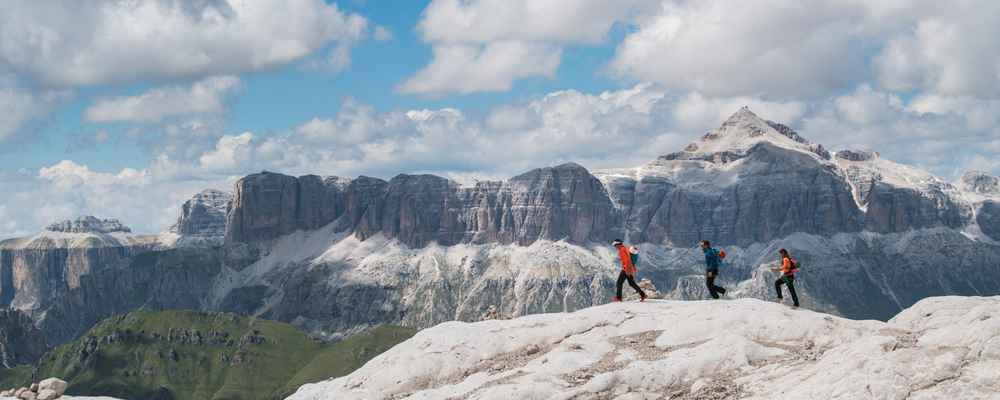 9b931819340 Escape the noise - epic trail runs in the Dolomites | Running ...