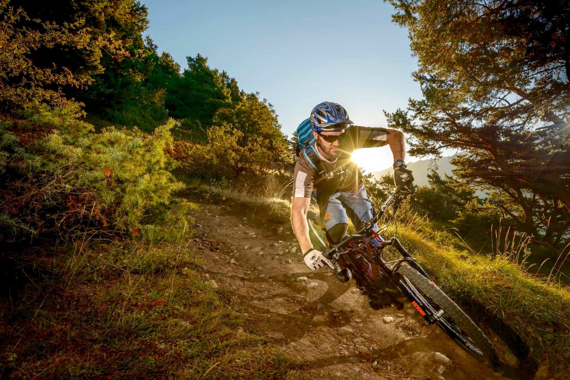Supertrails – the long way down