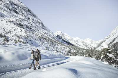 Snow shoe and winter hiking in the Olympic Region of Seefeld
