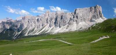 Traversing the Dolomites - the world's most beautiful mountain range