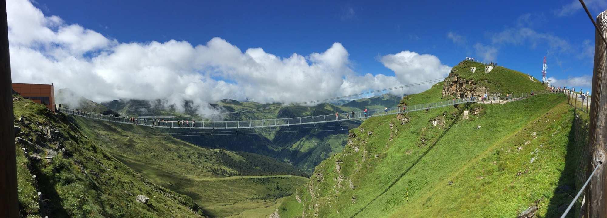Spectacular suspension bridges