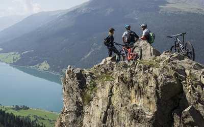Rasante Abfahrten und weite Ausblicke – Trailparadies Tirol