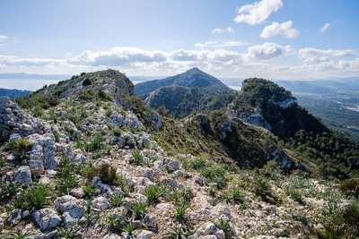 Mallorca mal anders – felsige Gipfel und einsame Küsten