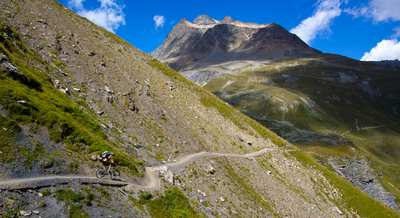 400 kilometers flowy trails in Engadin